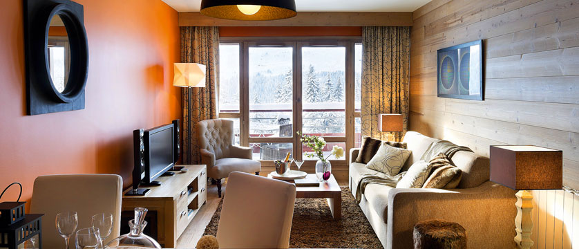 France_Flaine_Montsoleil-Terrasses-dHelios-Apartments_Living-area2.jpg